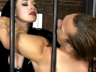 Webcam Strip : submission Cell Torture Live!