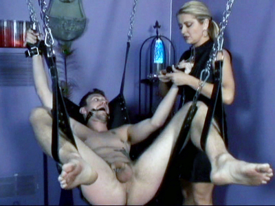 Webcam Strip : BDSM Suspension Live!
