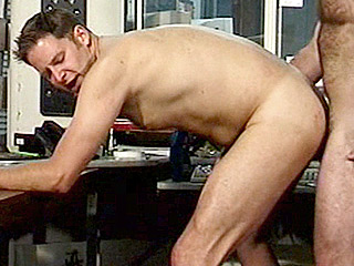 Gay Big Dick : Muscled Smokey Throat Fucked!
