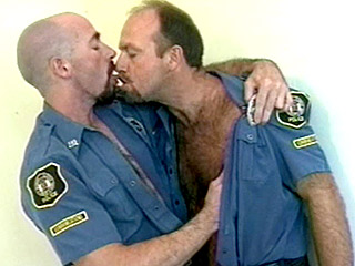 Gay Big Dick : Muscled Cop John Blowjob!