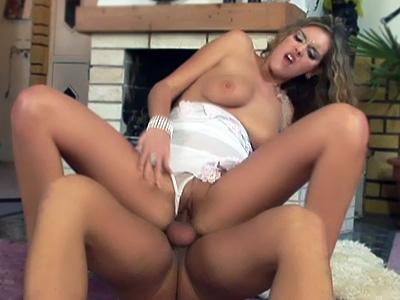 Wilde nude naked gabriella