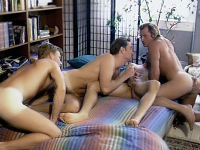 Gay Mature Men : Gay Cubs group sex in Bed!