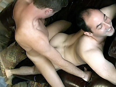 Gay Bears Hairy : hairy homosex Threesome!