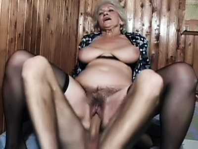 Granny Fucking : Naughty Grandma pron!