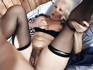 Granny Fucking : naughy Grandma Fuck!