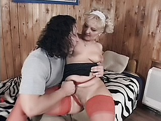 Granny Fucking : Horny mature in Stockings!