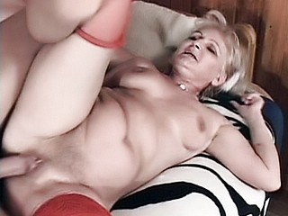 Granny Fucking : Dirty Grandma Satisfaction!