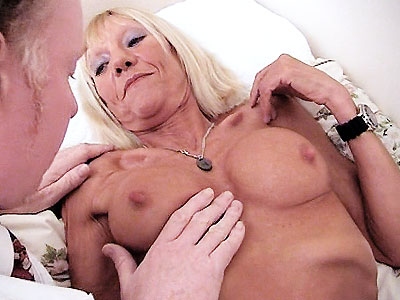 ngu 80 Horny Granny Kay Nailed