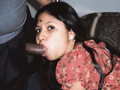 Indian Women : Indian Botsy Drinks emission!