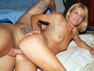 Webcam Strip : Blonde older Ritta Live!