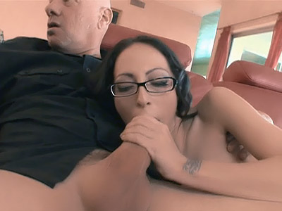 Watch My Wife : Petite house-wife Gets Double Teamed!