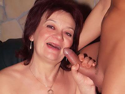 Mature Eve Threesome Fuck ?