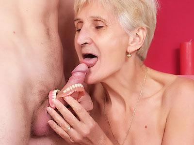 Josephine Wild Mature Blowjob ?