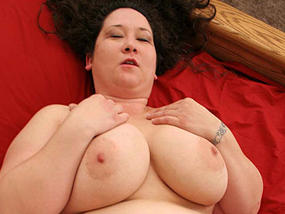 Jizzed up fatty. Half asian plumper having her plump ass jizzed. Want more Click here now!