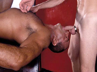 Black Hunk Enjoys Interracial Sex