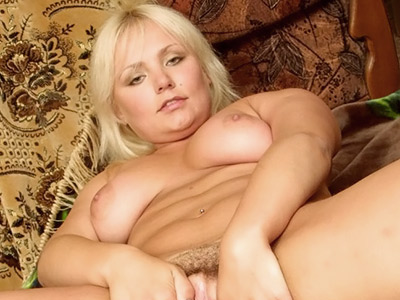 Bushy kitty wetting. Curvy blonde wetting her furpie with saliva. Craving for more Enter here!