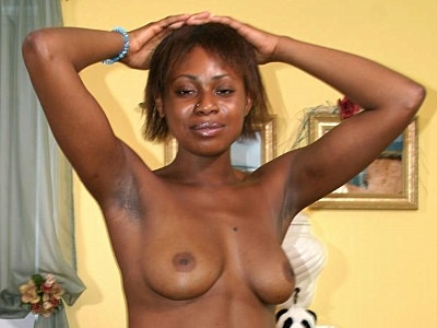 Black Cuties : perfect ebony Masturbating!