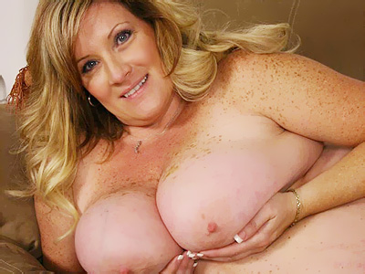 BBW Tits : Deedra Blond big beautiful women Nude!
