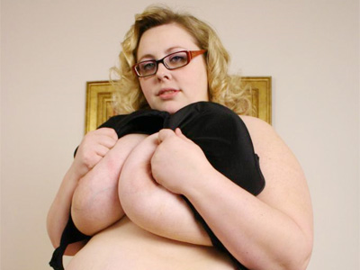 BBW Tits : Stacked supersize women blonde Holli!