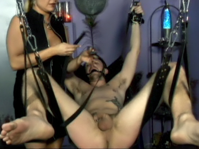 Webcam Strip : BDSM Mistress Nicolette Live!