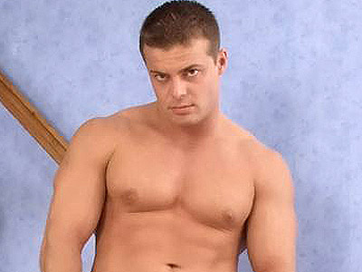 Gay Big Dick : Buffed Hunk Striptease!