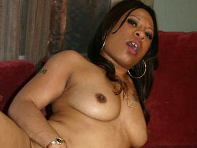 Penish give suck black candy luv. Black chick Candy Luv shows off her sexy plump butt before she sucks off her hot lover. Want more Click here now!