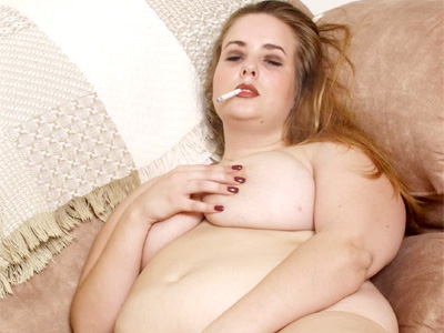 Chubby jilling off. Chubby Amanda naked and smoking cigarettes while rubbing her sultry looking vagina slit. Click here for more pictures.