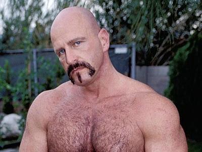 Gay Bears Hairy : Outdoor love stick Pumping hairy men Jasper!