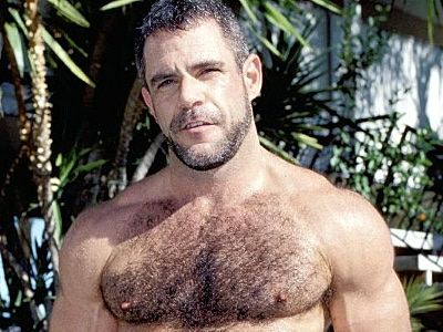 Gay Bears Hairy : Masturbating bear Jeremy!