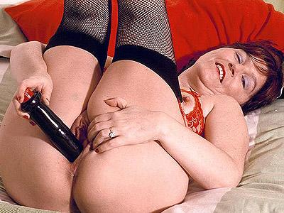 big tit granny sex. Smoking perfect solo video clip of hot grandma tweaking ...