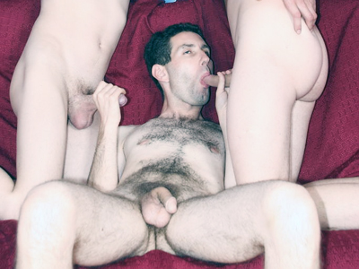 Gay Orgy GroupSex : Gay threesome Story!