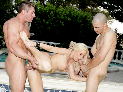 Kelly hot three way. Kelly Taylor is a lascivious pornstar dishing out her cunt and keeping her mouth busy in a threesome. Click here to see the photos.