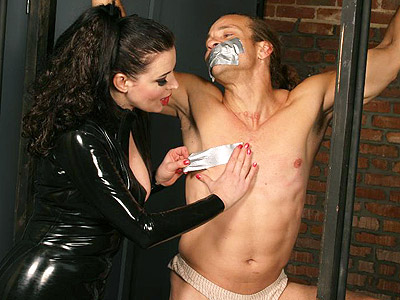 Anastasia slave bondage. Domme Anastasia Pierce bounds her naughty male obedient and locks him on a cage. Check it out for more preview pictures!