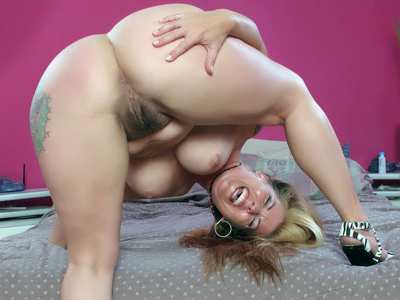 Blonde haired pussy. Slutty blonde Joclyn Stone does a kinky striptease and fucks it with her natural hairy pussy. Click here for more photos!