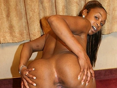 Bubble bum ebony kara. Kara Kane has the nice looking ass and her hot set has plenty of things to feast your eyes on. Click here for more pictures.