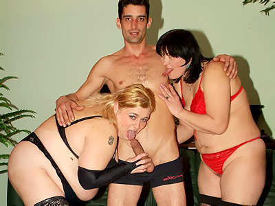 Penish riding matures threesome. Mature fatties Rosalie and Lisa take turns in riding a cock and emptying it out with their mouths. Check it out for more preview pictures!