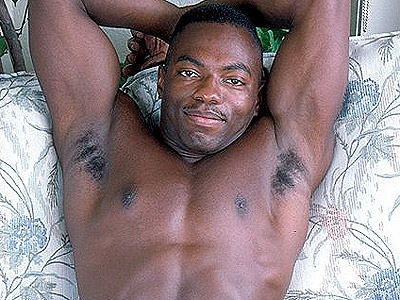 gay thugs blog. Muscle bound black gay show off his beautiful bod & work his ...
