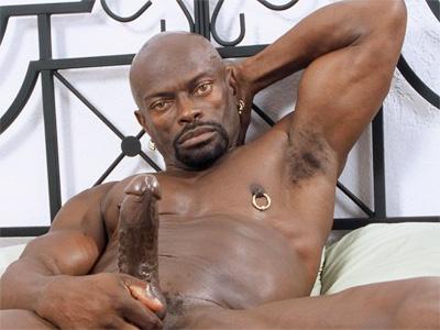 Black Gay Hunk Tossing ?