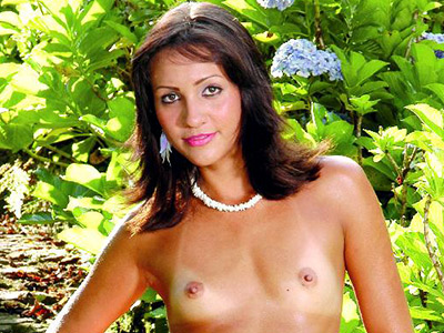 Petite babe stripping. Tanned gorgeous stripping naked in the garden. Click here for the gallery.