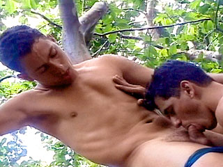 tgc 132 Outdoor Twink Threesome